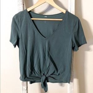 knot gonna fly tee from lululemon size 2